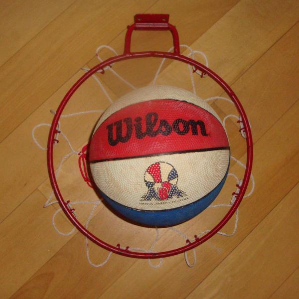 kit aro de basquete com rede + mini bola wilson estilo