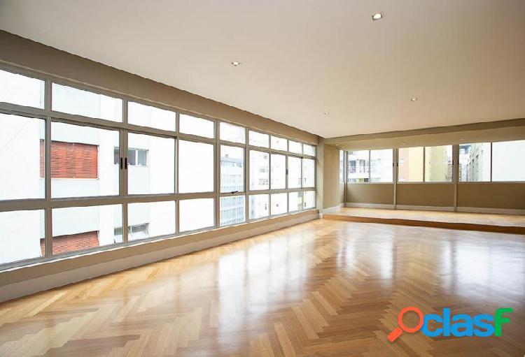 179 m² - Reformado - 3 dormitórios - 2 Suites - 3 vagas