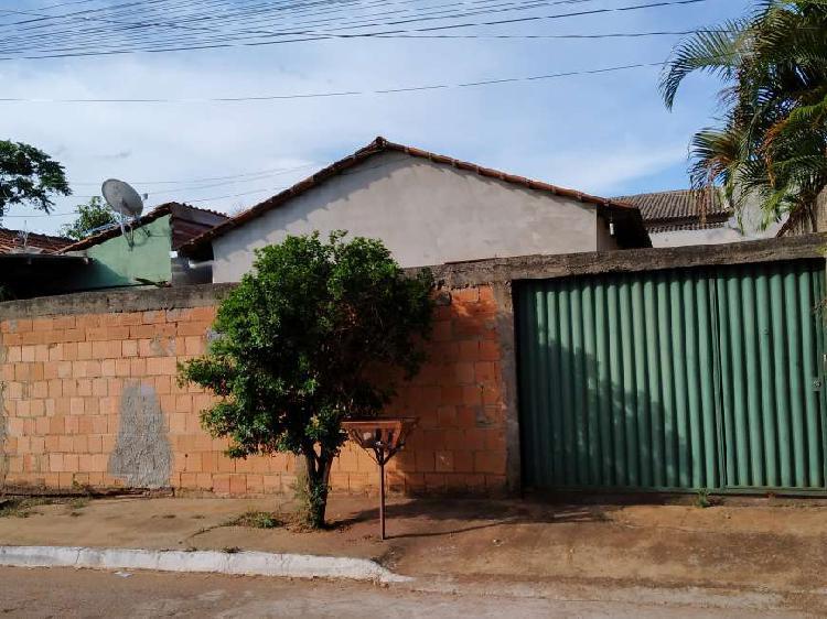 Casa de 2 Quartos com Barracão no Parque tremendão, pega