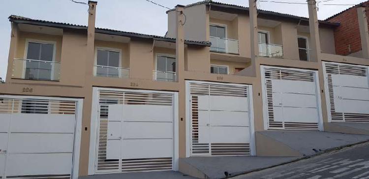 Linda Casa 2 quartos, vaga de garagem Parque Montreal -
