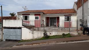Vende se uma casa em Alvenaria