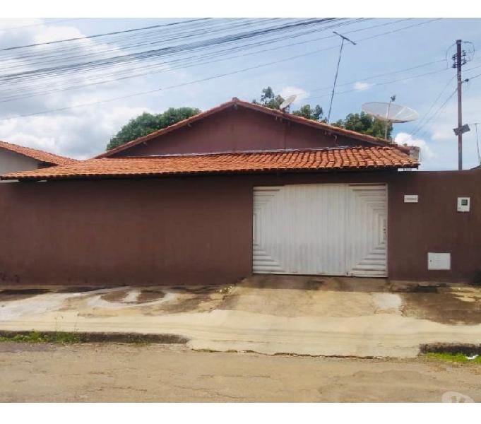 Casa de 03 quartos | 01 suíte | garagem 02 carros | Quintal