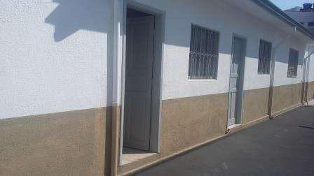 Casa para aluguel tem 65 metros quadrados e 1 quarto em