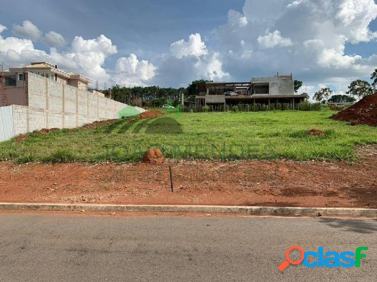 Terreno à venda no Condomínio Equilibrium, em Atibaia/SP.