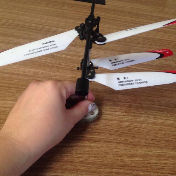 hélice para helicóptero de controle remoto.