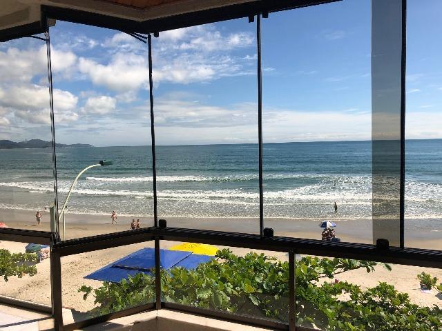 Apartamento frente mar para locação de temporada