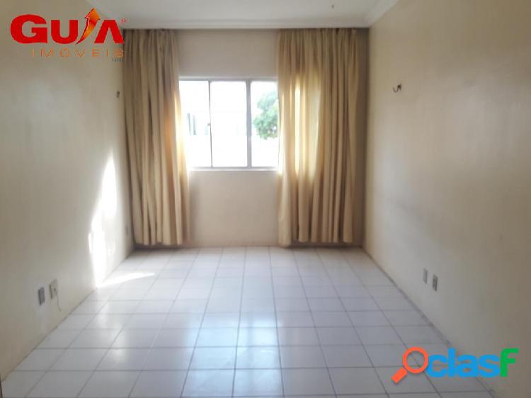 Apartamentos de dois quartos à venda no bairro Passaré