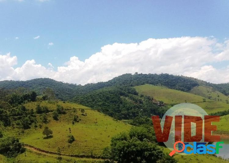 Bairro do Jaguari: Sítio com 20.000 m², às margens da