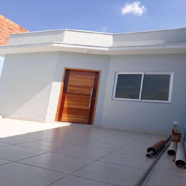 Casa de condomínio para venda possui 87 metros quadrados