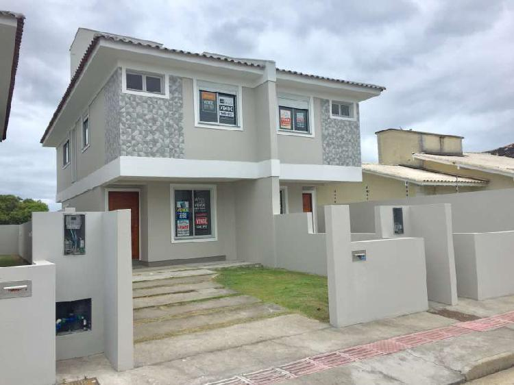 Linda Casa com 03 dormitórios no desejado Loteamento