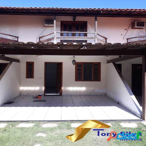 Linda casa duplex em condomínio nas palmeiras em Cabo Frio