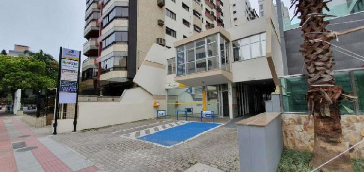 Sala para aluguel tem 120 metros quadrados em Centro -