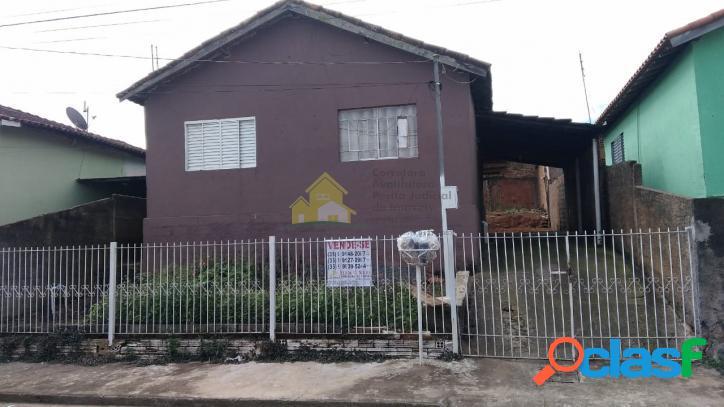 Vende-se casa na Vila Dorinto Morato em Nova Resende-MG