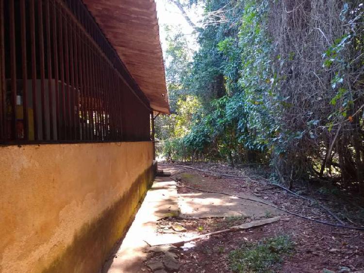 BELA VISTA DE GOIÁS/VENDO CHÁCARA/7.000mts2/HÁ 250mts da