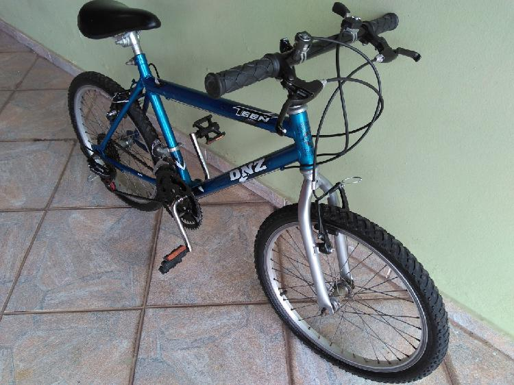 Bicicleta aro 20 - 21 marchas