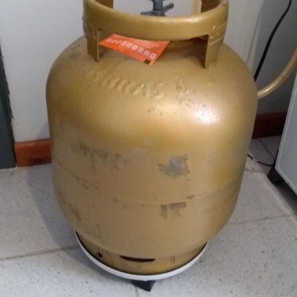 Botijão de gás com suporte