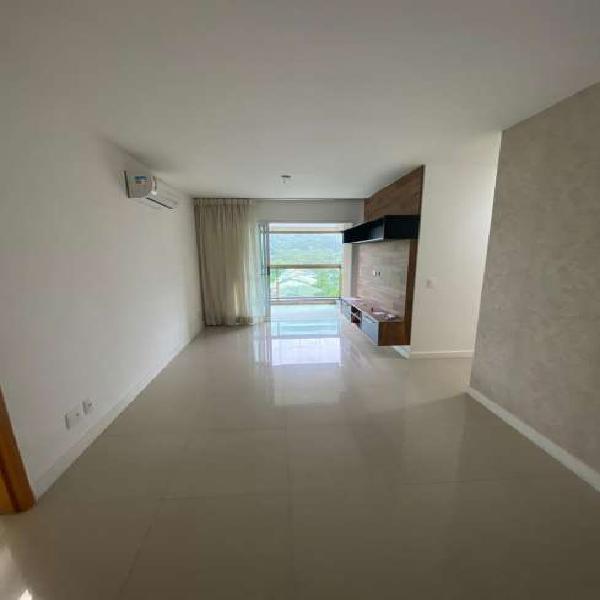 Excelente apartamento com a melhor vista/posicionamento