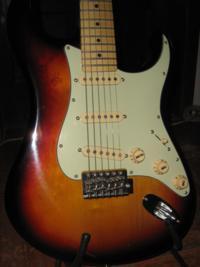 Guitarra Tagima T635 e acessórios