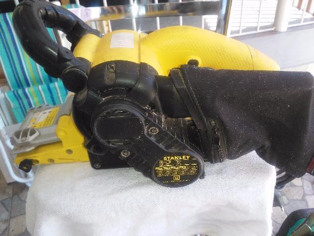 Lixadeira de cinta Stanley