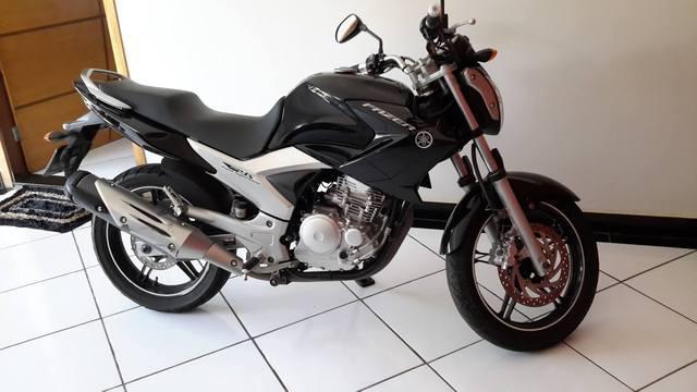 Vendo Moto Yamaha Fazer 250 único dono 2012/13