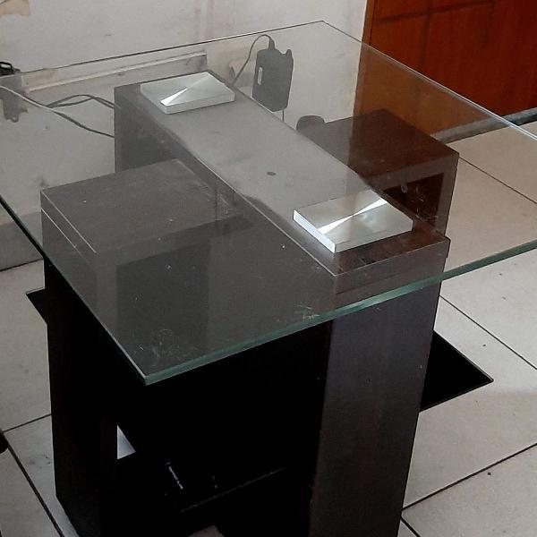 mesa de canto com vidro temperado