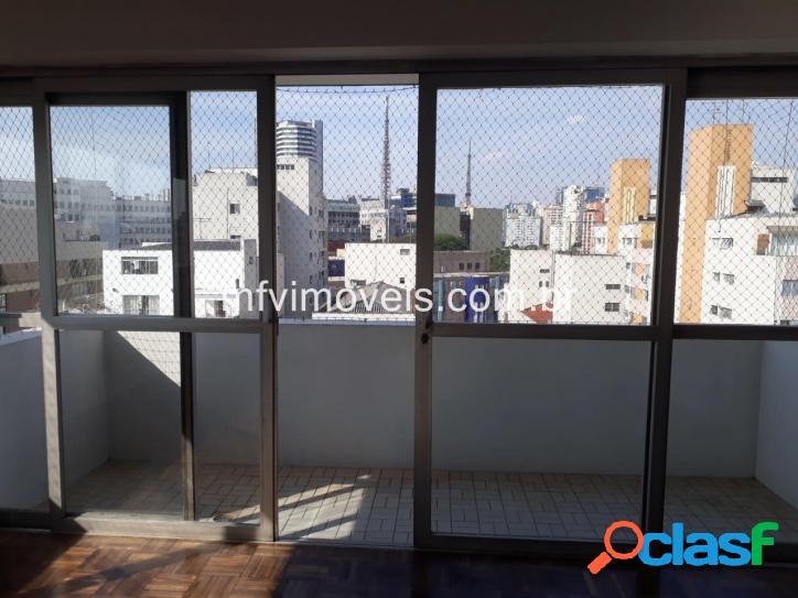 Apartamento 3 quartos à Vender na Rua Oscar Freire -