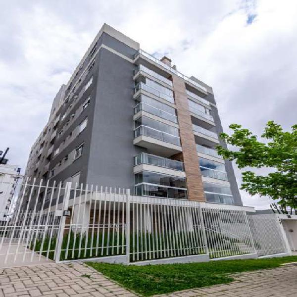 Apartamento de 2 quartos e 2 vagas no bairro Água Verde