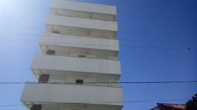 Apartamento de 3 dormitórios, sendo um suíte, uma vaga,