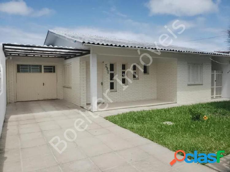 Casa com 3 dorms em Capão da Canoa - centro por 249.9 mil