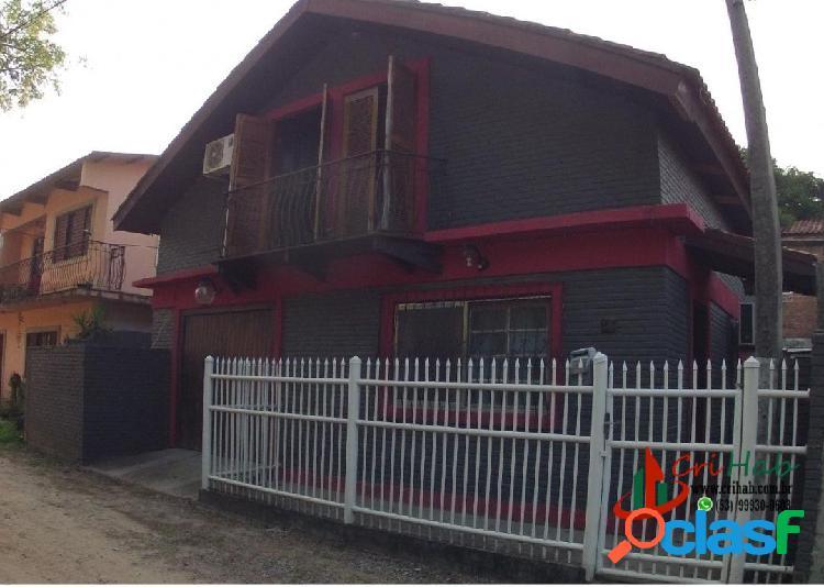 Casa de 3 dormitórios e 2 suítes à venda no Laranjal