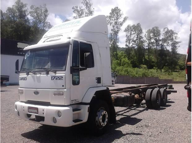 Ford Cargo 1722 ano 2002 6x2 Branco