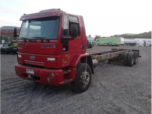 Ford Cargo 2428 ano 2009 Vermelho