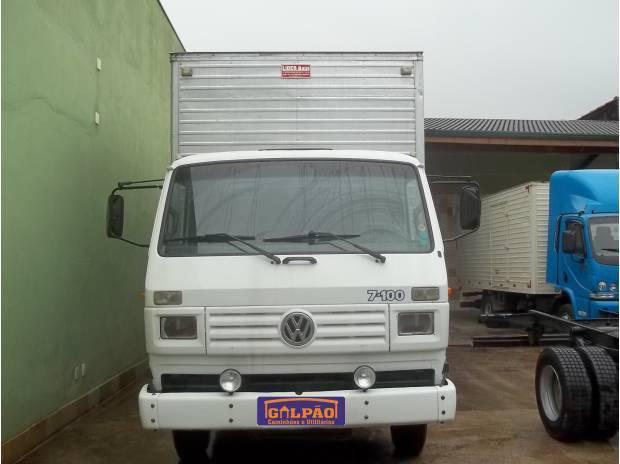 VW 7.100 COM BAÚ ANO 1995 COR BRANCO IMPECÁVEL