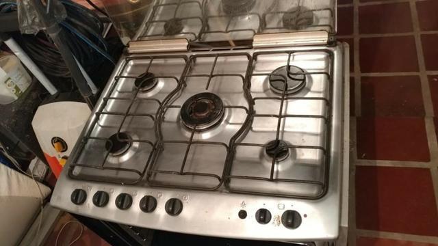 Forno e fogão Electrolux Inox com 5 bocas de embutir