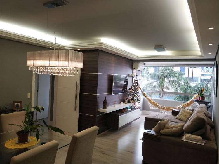 Apartamento com 3 dormitórios no Córrego Grande -