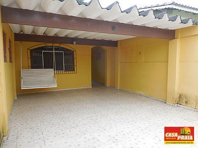 Casa 2 dormitórios com suíte e edícula á 600 metros da