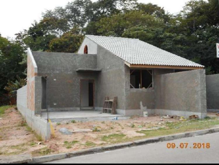 Casa de Condomínio para venda. Com 160 metros quadrados e 3
