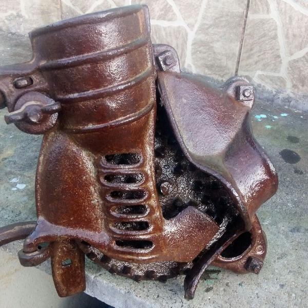 triturador de milho antigo