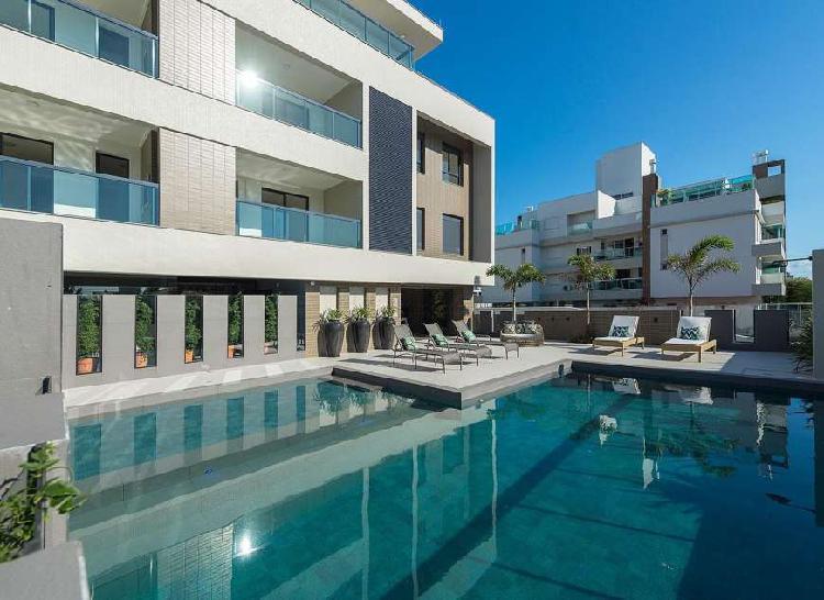 Apartamento novo com 2 suítes no Novo Campeche.