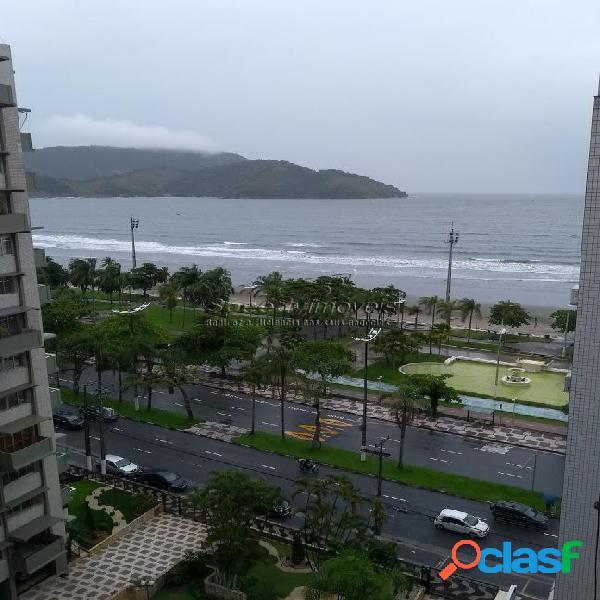 Apartamento á venda na orla da praia de Santos.