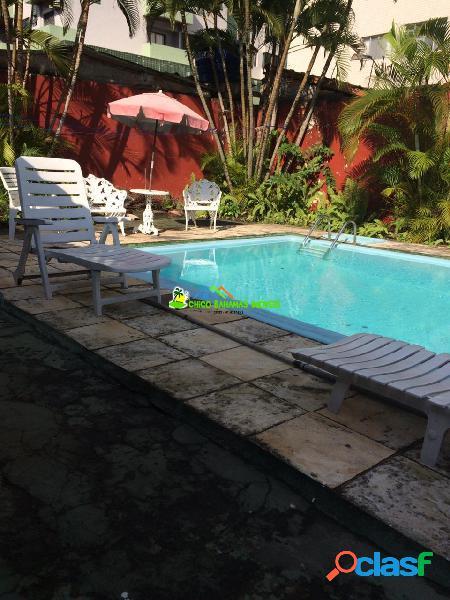 Casa Isolada 03 dormitórios sendo 01 suíte, com piscina