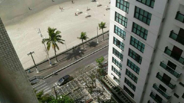 Pé na areia na Praia Pitangueiras - Guarujá - São Paulo