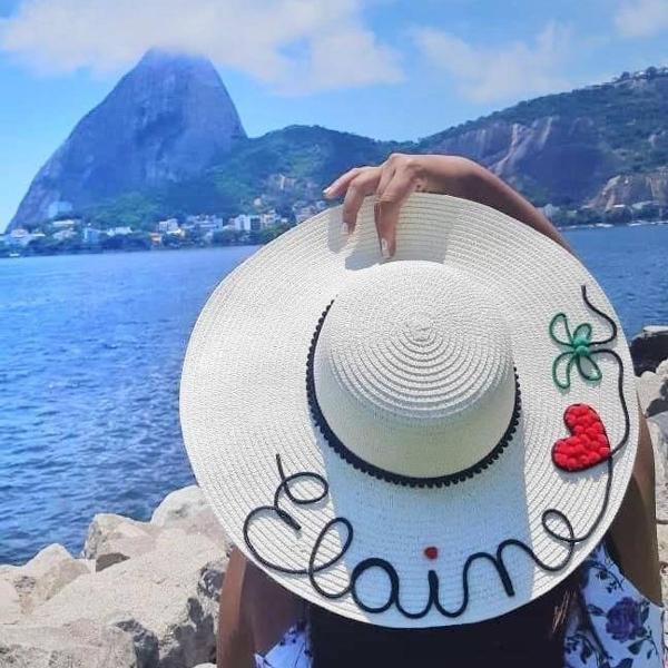 chapéu de palha customizado com nome ou palavra+ desenho