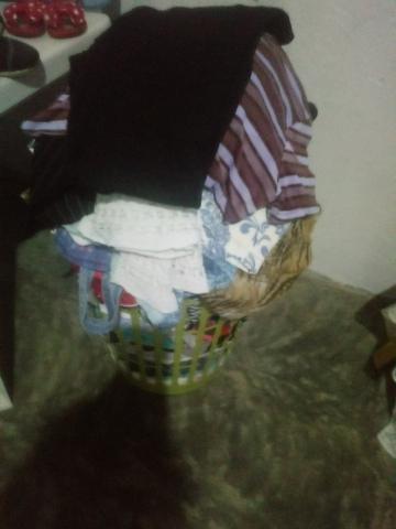Vendo lotes de roupas otimas peças