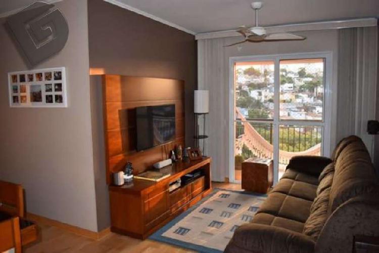 Apartamento com varanda e linda vista - Vila Ipojuca