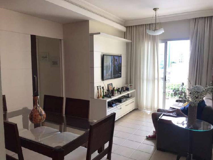 Apartamento para venda possui 80 metros quadrados com 3