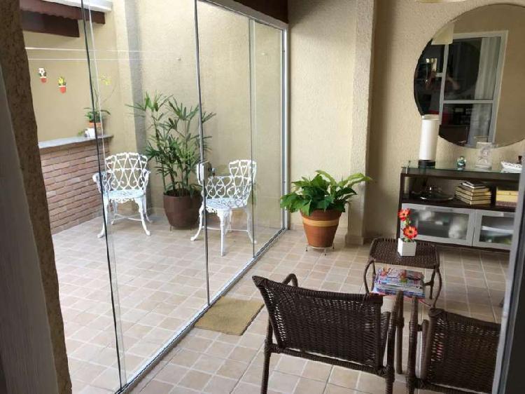 Linda casa em condomínio na Vila Oliveira - Mogi das Cruzes