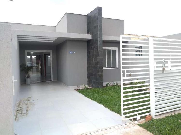 Linda casa no bairro Santa Terezinha em Fazenda Rio Grande