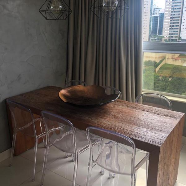 mesa/aparador em madeira de demolição
