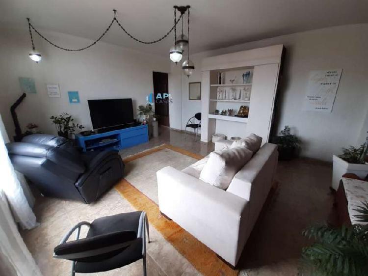 Apartamento 02 Dormitórios com Vaga Demarcada e quarto de